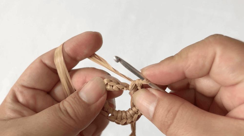 31d53d99ee26a5ff9b31b6b79f6ec3bb 2 - ハンドメイド始めたい方必見!くさり編みと細編みだけ!簡単!「ブレスレットの編み方」【永久保存版❗】