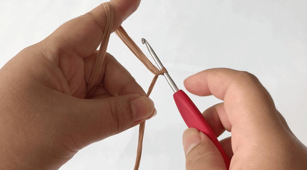 5e6ec6d2a2d241716a7ce410396d4bdd 1 - ハンドメイド始めたい方必見!くさり編みと細編みだけ!簡単!「ブレスレットの編み方」【永久保存版❗】
