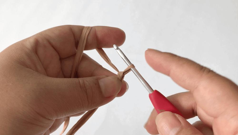 b39f3f5ad6cfd3c7768a73995d5267ee 1 - ハンドメイド始めたい方必見!くさり編みと細編みだけ!簡単!「ブレスレットの編み方」【永久保存版❗】