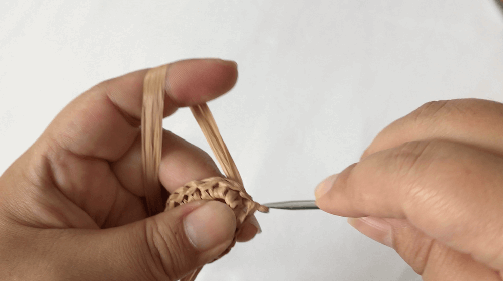 c54716c92683f8c68b46ce633d4fb867 1 - ハンドメイド始めたい方必見!くさり編みと細編みだけ!簡単!「ブレスレットの編み方」【永久保存版❗】